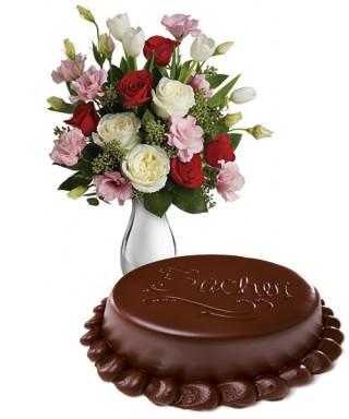 torta-sacher-con-bouquet-di-roselline